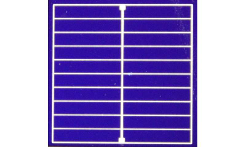 Simplifying solar cells with a new mix of materials