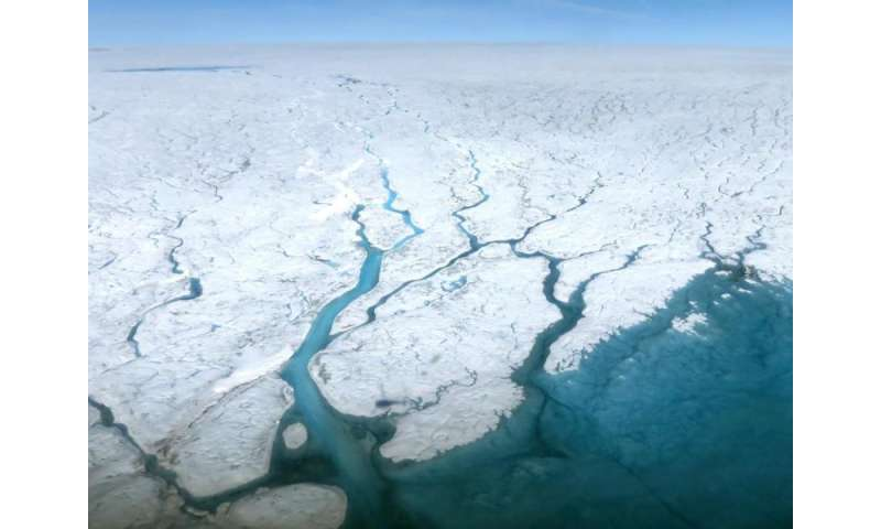 Climate change: Greenland melting tied to shrinking Arctic sea ice