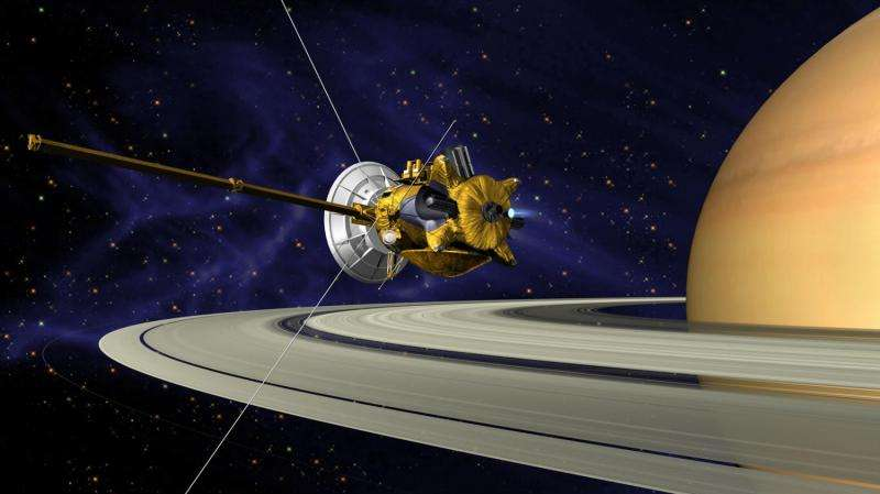 Cassini heads for 'higher ground' at Saturn