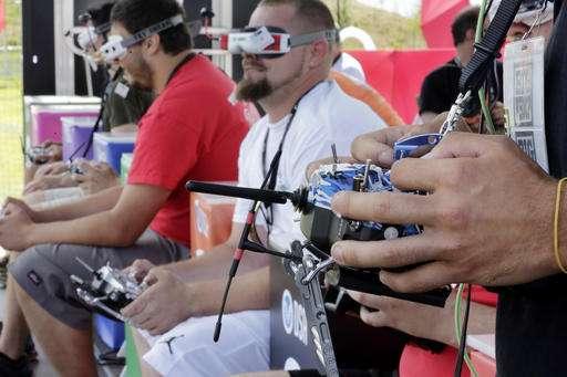 [Image: 3-dronepilotsg.jpg]