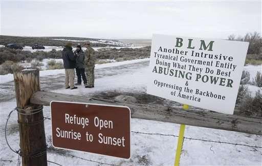 As Oregon standoff goes on, residents seek calm