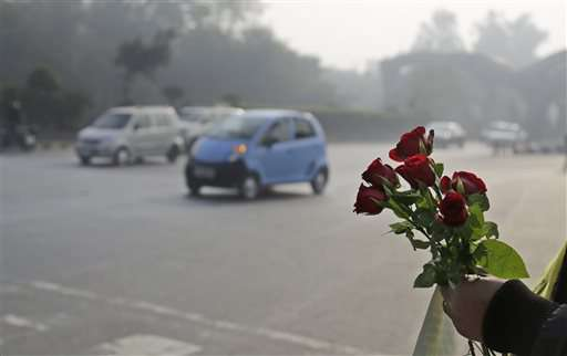 Indian capital starts limiting cars for two weeks to clear air