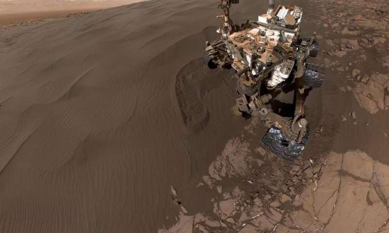 Sandy selfie sent from NASA Mars rover