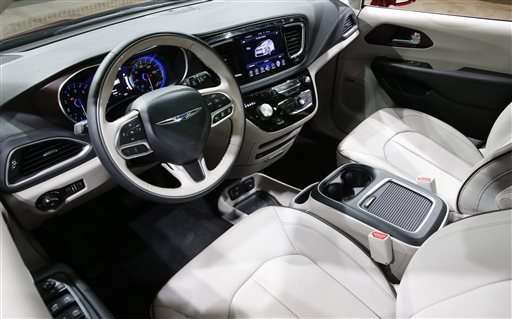 With SUV look, tech touches, Chrysler aims to revive minivan
