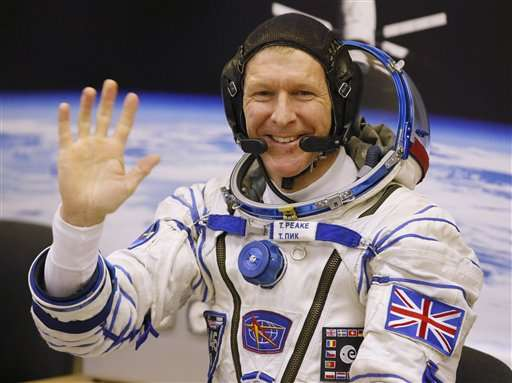 Astronaut Peake pays tribute to 'Starman' Bowie from space