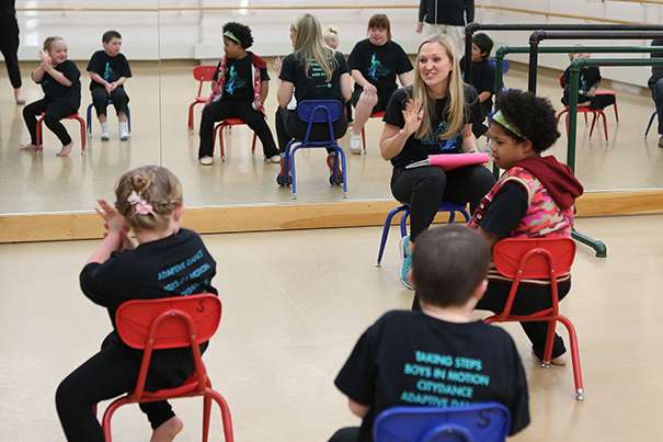 Dance that adapts to disabilities
