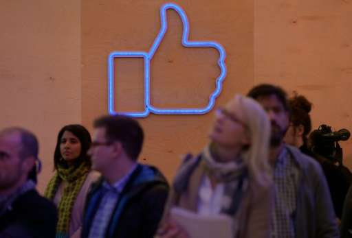 "German court bans a shopping website from using the ""like"" function of its Facebook page if it did not warn customers"