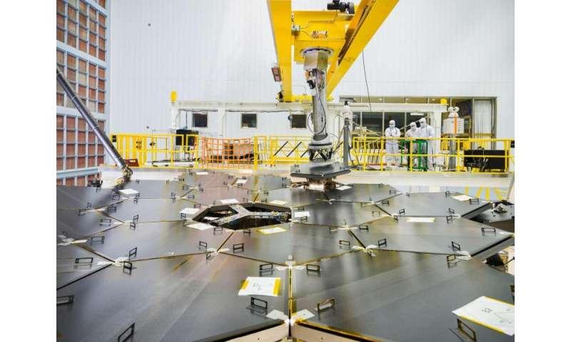 Image: Final mirror installed in James Webb Space Telescope