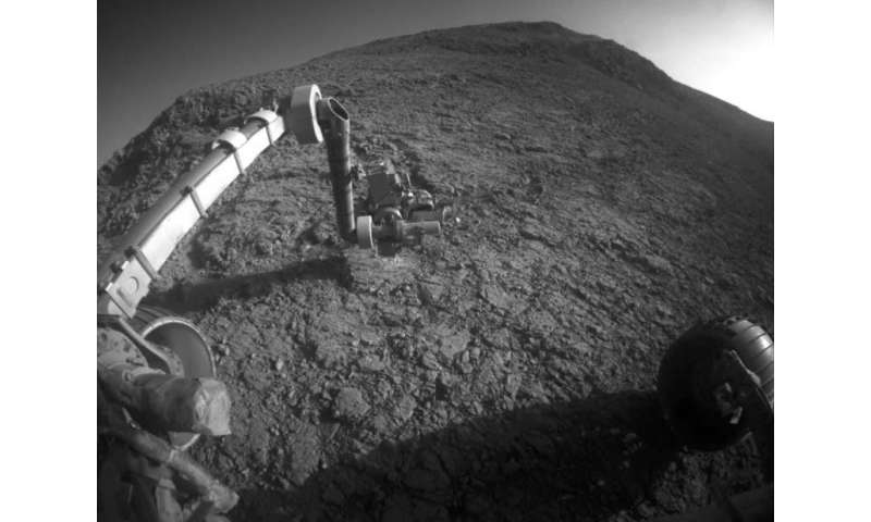 Mars rover Opportunity busy through depth of winter
