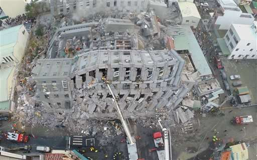 Over 100 missing, 14 dead as strong quake rattles Taiwan