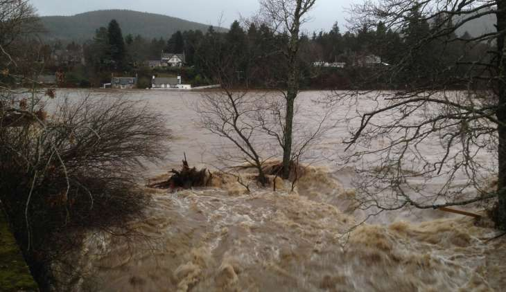 Scientists bid to crowdsource information in Dee flooding investigation