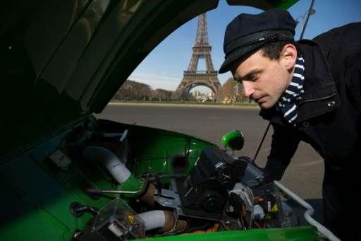 The battery allows the Citroen 2CV to cover 80 kilometres before recharging
