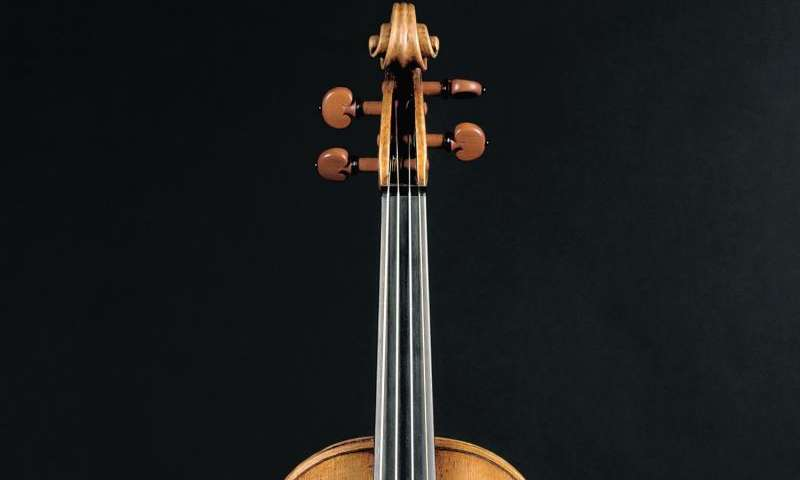 Violin varnish: Key to a fiddle's tone