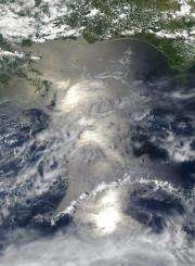 Aqua satellite sees sunglint on Gulf oil slick