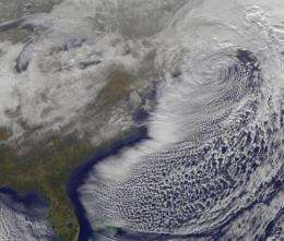 GOES-13 satellite captures powerful snowmaker leaving New England