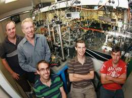 ANU scientists show atoms act like lasers