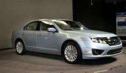Ford Fusion Hybrid wins 2010 car of year award (AP)
