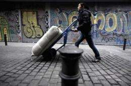 Foreign migrants move within Spain for employment reasons