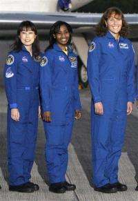 Spacewoman power: 4 women in orbit at same time (AP)