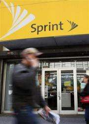 Sprint Nextel posts first subscriber gain in 3 yrs (AP)