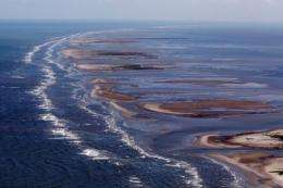 Vast oil spill has already soiled the coastlines of Louisiana, Mississippi and Alabama and reached Florida on Thursday