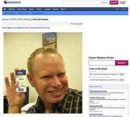 Web embraces JetBlue flight attendant in NY ruckus (AP)