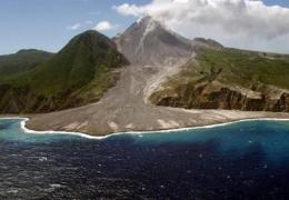 First detailed underwater survey of huge volcanic flank collapse deposits