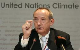 UN climate chief quits, leaves talks hanging (AP)