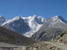 Scientists find that debris on certain Himalayan glaciers may prevent melting