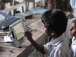 Indian school children to test new, low-cost electronic notepad