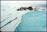 Arctic sea ice declines again in 2004