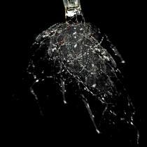 What makes glass break?