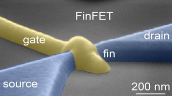 Researchers shine light on atomic transistor