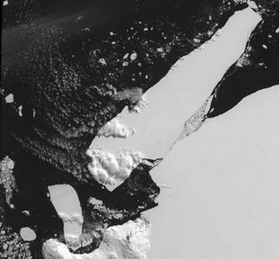 Alaskan storm cracks giant iceberg to pieces in faraway Antarctica