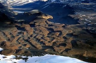 Scientists detect massive rivers under Antarctica