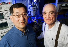 Hidden structure revealed in characteristics of transistor laser