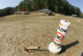 Biologists: Water Can Stay in Ga. Lake (AP)