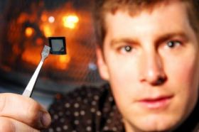 'Nano-Manhattan' 3D solar cells boost efficiency