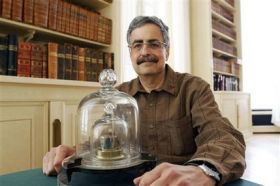 Shrinking Kilogram Bewilders Physicists (AP)