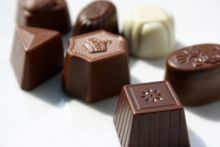 Brisk walk could help chocoholics stop snacking