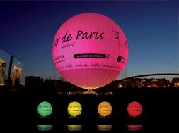 Helium Balloon in Paris Displays Air Pollution Levels