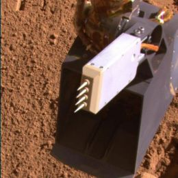 Spiky Probe on NASA Mars Lander Raises Vapor Quandary