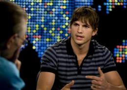 Ashton Kutcher wins Twitter battle with CNN (AP)