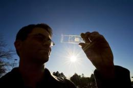 Glitter-sized solar photovoltaics produce competitive results