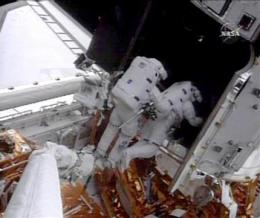 Astronauts work through repair trouble at Hubble (AP)