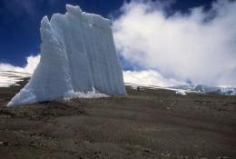 Snows Of Kilimanjaro shrinking rapidly, and likely to be lost