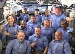 Shuttle, station crews seal hatches for departure (AP)