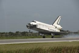 Shuttle Endeavour lands safe in Fla.