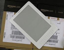 Amazon's new Kindle DX 9.7