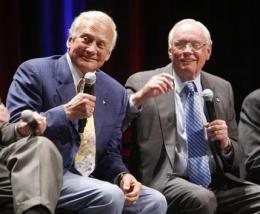 Apollo astronauts relive experiences at ceremony (AP)